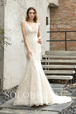 Ivory V neck fit and flare wedding dress P453981